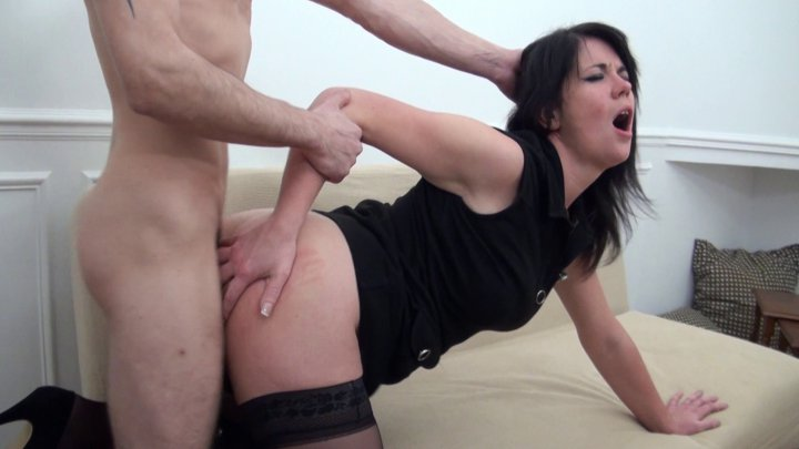 Estelle offre son cul