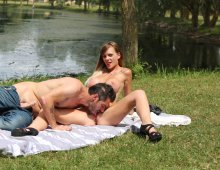 220x170 4500 - Tiffany, 22 ans, baisée en public au bord d'un lac