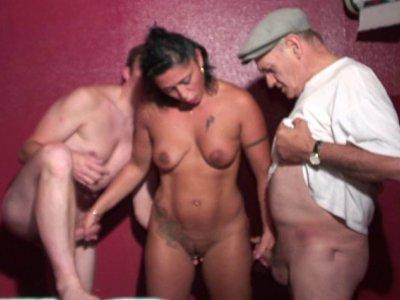 Aujourd'hui on accueille une charmante jeune femme venue faire un sauna dans not