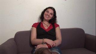 Lise est une jeune femme qui vient de Caen tout spécialement pour tenter l'aventure...