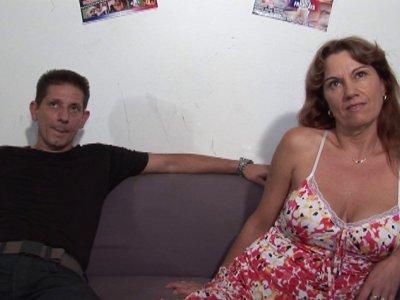 Michel et sa femme forment un couple très coquin! Anciens hardeurs à la retraite