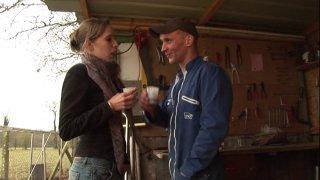 Pas facile le boulot d'artisan quand il fait des températures glaciales... Heureusement...
