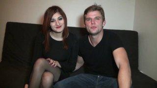 Trio libertin avec un jeune couple parisien qui réalise son fantasme