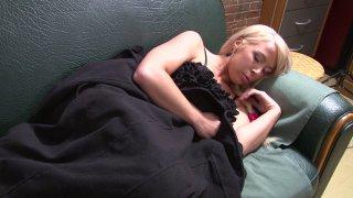 Blonde endormie se tape un plan cul avec le peintre queutard