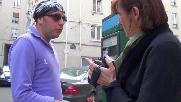 720x405 140 - Bourgeoise autoritaire cherche jeune inconnu pour lui péter le cul