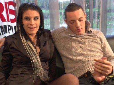 Tracy est une vraie bombe et c'est devant notre caméra qu'elle va se faire dépuc